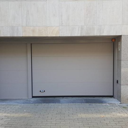 motoriser une porte de garage gdk with motoriser une porte de garage free porte de garage alu. Black Bedroom Furniture Sets. Home Design Ideas
